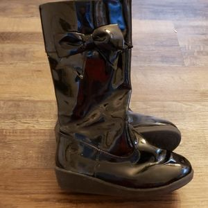 Crazy 8 girls patten leather boots size 1